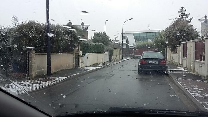 neige en région parisienne....
