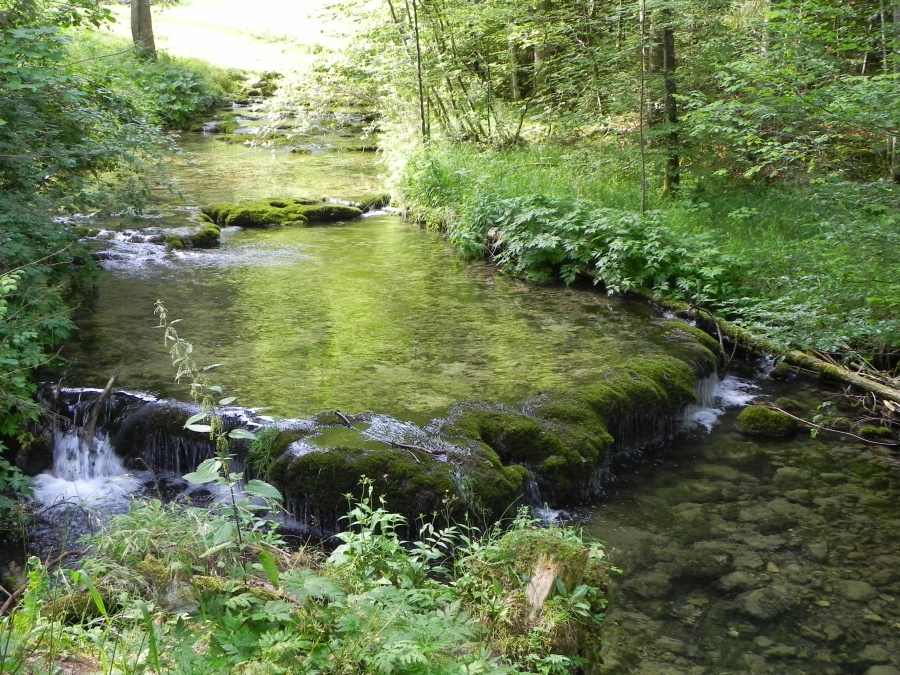 La Source bleue dans le Doubs