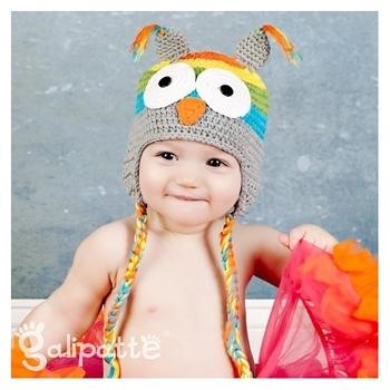 bonnet-bebe-au-crochet-hibou-arc-en-ciel