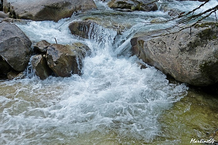 Route des cascades P1000091