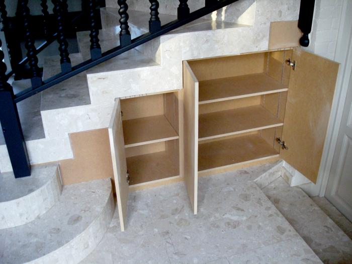 divers amenagements sous escalier rdsstand. Black Bedroom Furniture Sets. Home Design Ideas