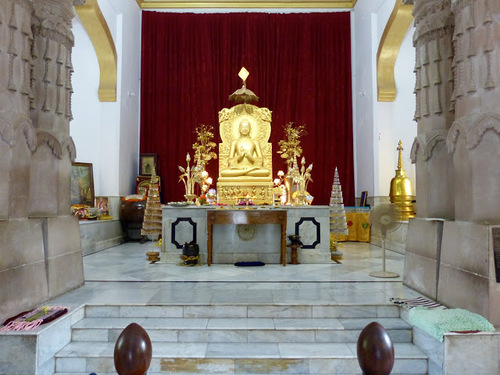 Sarnath;le temple bouddhiste Mulagangha Kuty Vihara