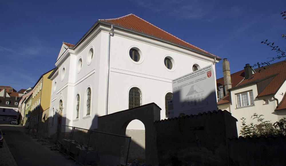 Synagoge-SuRo.jpg