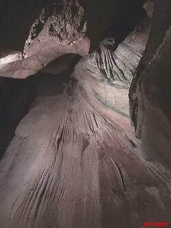 Savoie: Saint Christophe la grotte et ses grottes des Echelles (½)
