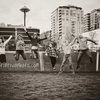 seattle-family-jumping-near-spaceneedle