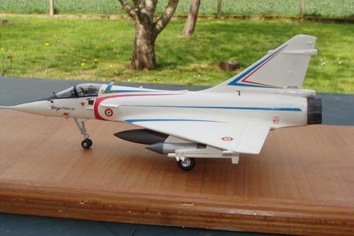Maquette avion Mirage 2000C prototype au 1/48