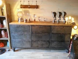 mobilier industriel acier et bois o'range Metalic Meuble a clapets