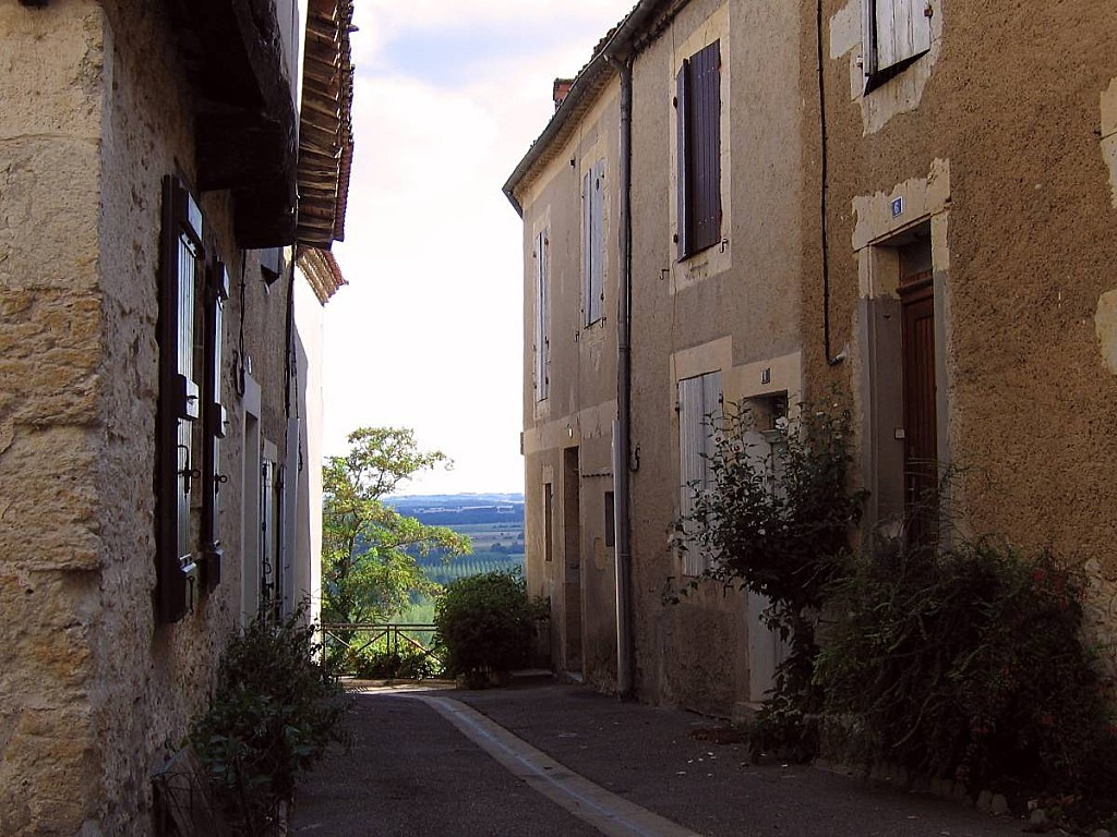 Petite-rue-Lectoure-02.jpg