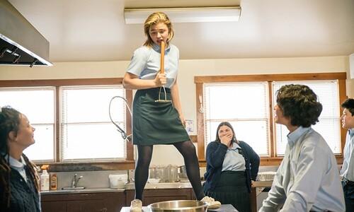 COME AS YOU ARE avec Chloë Grace Moretz - Au cinéma le 18 Juillet 2018 - Découvrez la bande-annonce