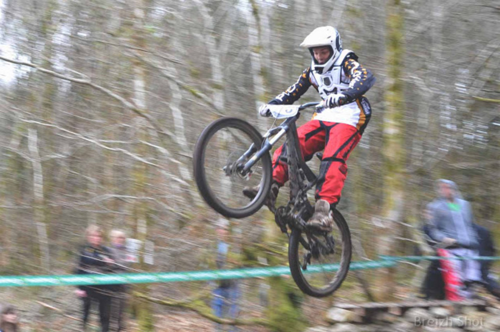 VTT Roches-du-Diable - Franchissement d'obstacle