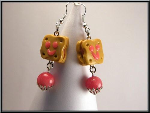 Boucles d'oreille bichoco à la fraise en fimo et agate rouge