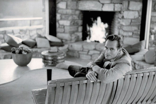 Charlton Heston in the living room around 1960.