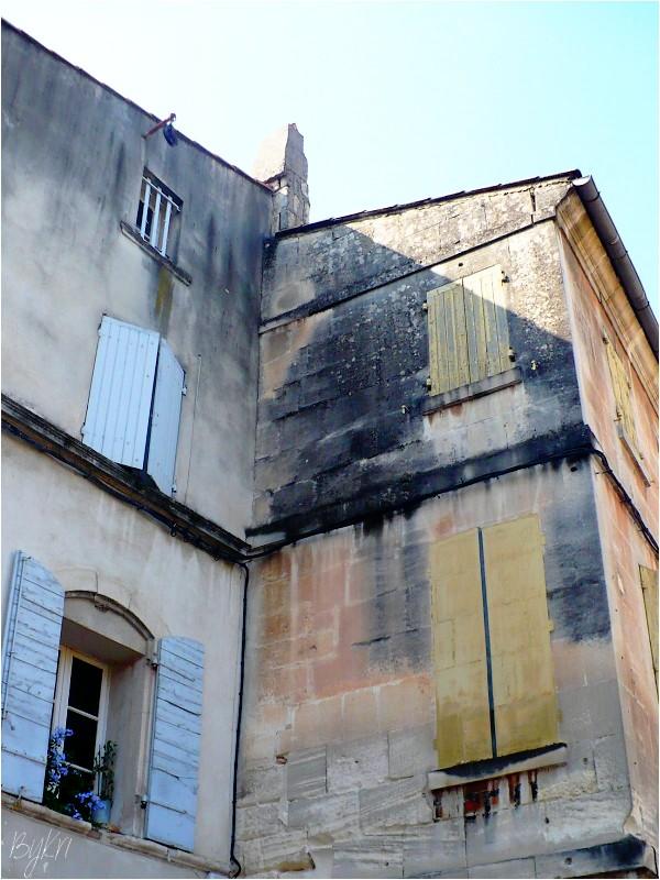 Trompe l'Oeil à St Rémy de Provence ...