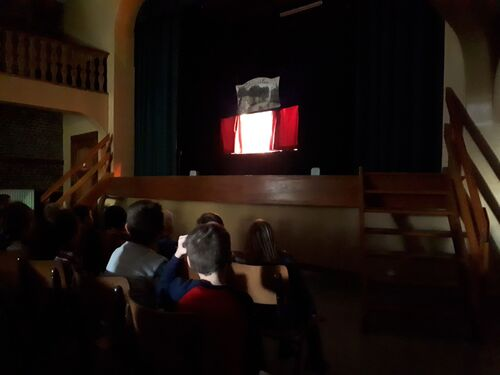 Après-midi au théâtre