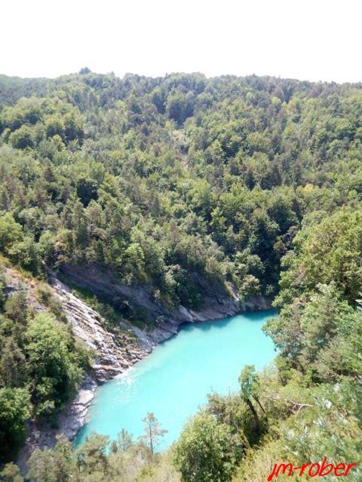 Isère:  Randonnée et descente vers la passerelle du Drac et le lac Monteynard