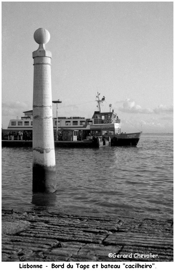 Lisbonne - Bord du Tage.