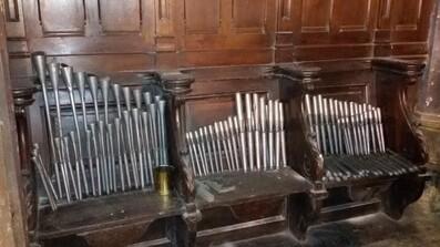 Dépoussiérage de l'orgue de l'église Saint-Jacques