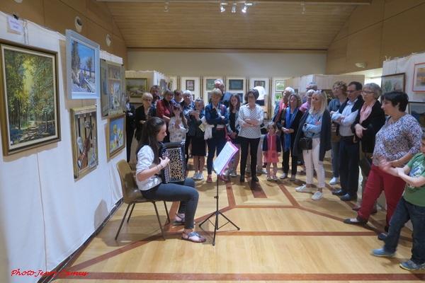 Un beau cncert de France-Accordéon a animé le 10ème salon des peintres des Amis du Châtillonnais