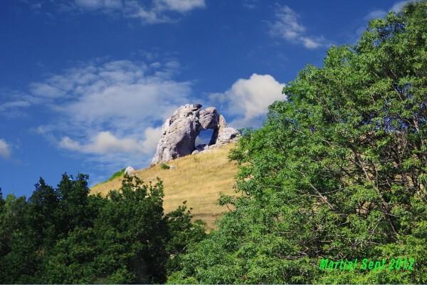 la-pierre-percee-2.jpg