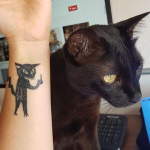 Helen Fernandes, la tatoueuse qui ne sait pas dessiner