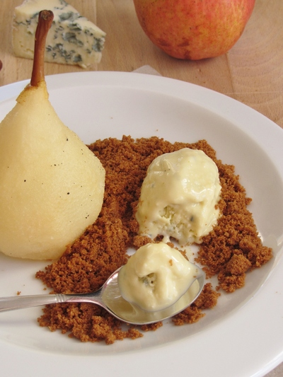 Poire pochée et sa glace à la fourme d'Ambert {Battle Food # 24}