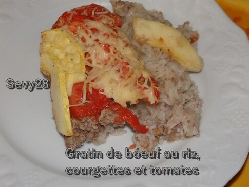 Gratin de boeuf au riz, courgette et tomate