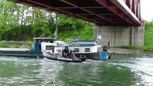 interpellation au canal