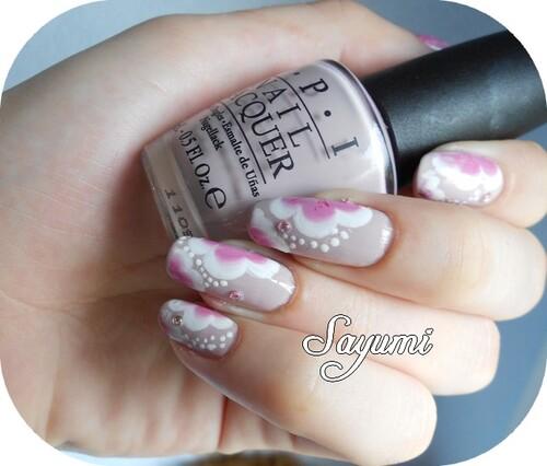 Nail Art Fleurs Roses et Blanches