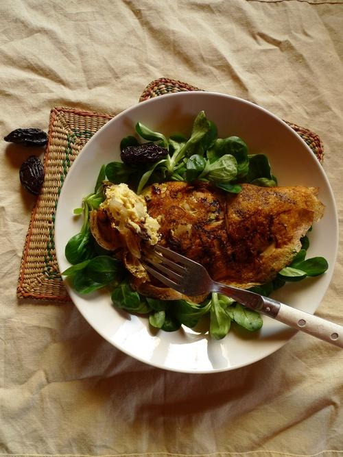 Omelette pruneaux oignons