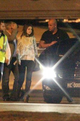 Le 16/07/12 Selena à l'aéroport de Sydney