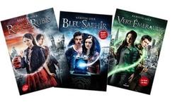 ouge Rubis, Bleu Saphir, Vert Émeraude bientôt en poche ! Découvrez la couverture du tome 1, avec l'affiche du film.