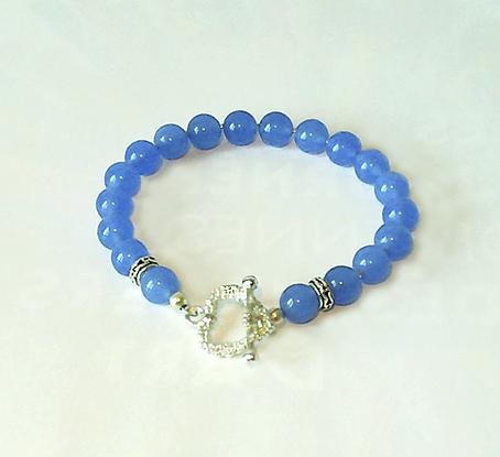 Bracelet Toggle Coeur, Pierre de Jade teintée bleue, boules 8mm / Plaqué Argent