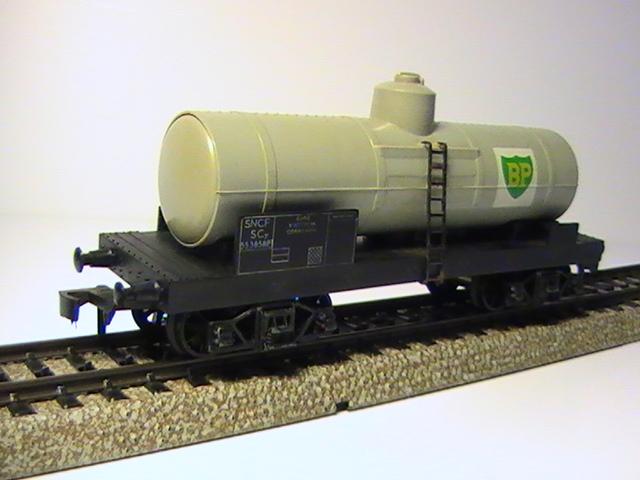 Hornby Acho wagon citerne à bogie.