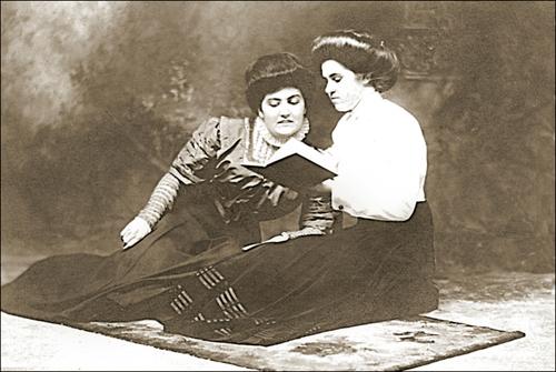 08 - Femmes lisant- Photographies