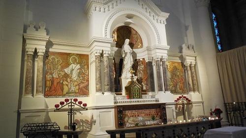 Église Sainte-Anne de la Butte-aux-Cailles