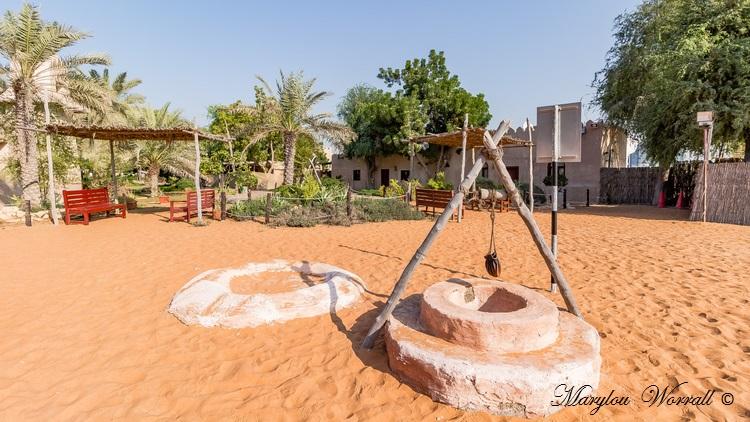 Abu dhabi : Heritage village Zamal Lawal 2/3