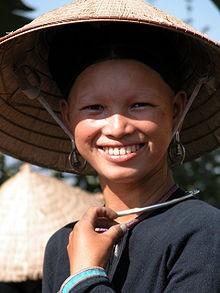 220px-Laos-lenten0264a.jpg