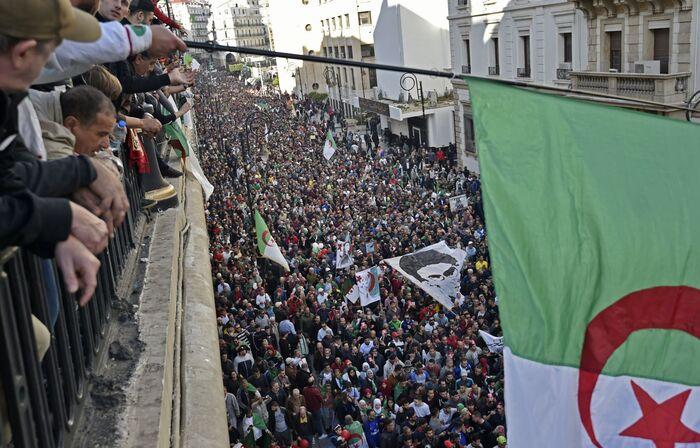 Algérie : respect à la révolte exemplaire du peuple