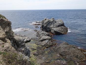 Rochers sur la côte Sud du Grand Gaou