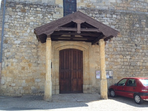 Église à l'entrée de Condom