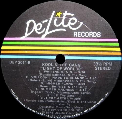 "Kool & The Gang : Album "" Light Of Worlds "" De-Lite Records DEP 2014 [ US ]"