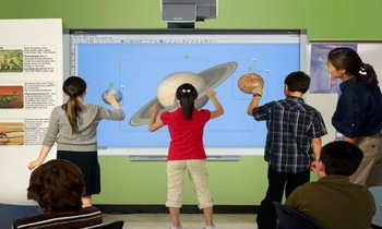 smart-board-800-series-features-four-touch-interactivity
