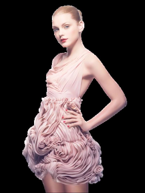 Femme vétue de rose / 1