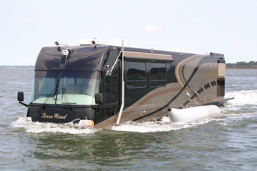 « Terra Wind » : le camping-car grand luxe amphibie  Wn58rbJz3eiinMm6LZhi9XnRnYc@850x565