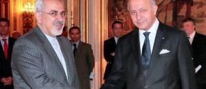 Laurent Fabius reçoit Mohammad Javad Zarif au Quai d'Orsay le 5 novembre. © Jacques Demarthon / AFP