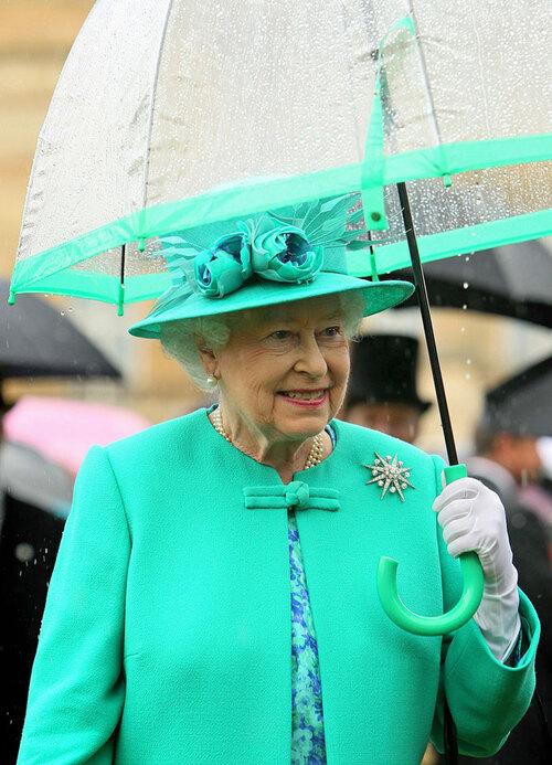 Bonjour....               Lilibeth et ses parapluies