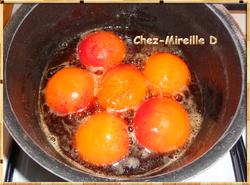 Abricots Pochés au Sirop de Cassis Vanillé