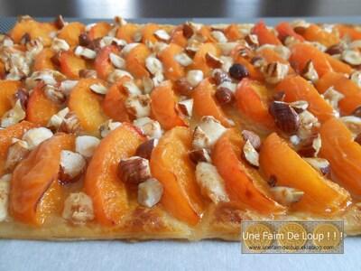 Tarte fine à l'abricot miel et pépites de nougat