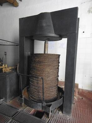 pressoir industriel de l'ancienne usine