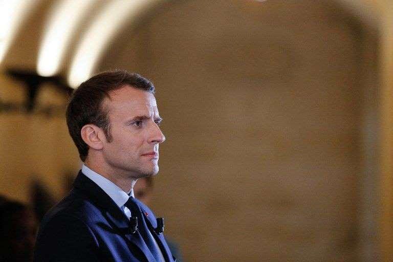 La très coûteuse affiche de Macron pour le second tourt